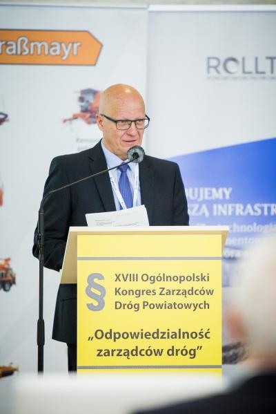 Dyrektor Zarządu Dróg Powiatowych w Nowym Sączu Adam Czerwiński